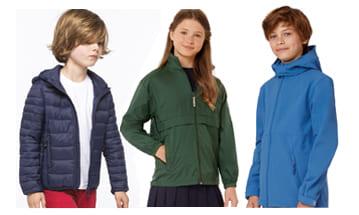 Parkas, chaquetas e impermeables y más productos, para publicitar tu empresa con regalos prácticos.